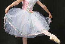 Swanilda costumes