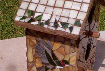 Mosaik vogelhuisje / Kan met glas en kop ,schotels