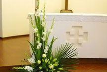 Komp ozycje kwiatowe kościół