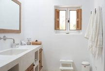 COUNTRY HOUSE bathrooms