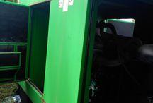 Mantenimiento de grupo electrógenos en El Puerto de Santa María / Limpieza general del grupo electrógeno, limpieza y purgado de circuito de gasoil, limpieza y purgado de circuito de refrigeración, sustitución de aceite lubricante, sustitución de filtro de gasoil, filtro lubricante y filtro de aire, regulación de servomotor de alimentación de gasoil, limpieza de inyectores y petroleado del motor en general.