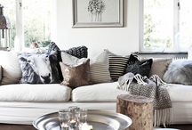 Cushion Styling / Ideas on how to mix and match colours and patterns of cushions on your bed or sofa. Mixing sizes of cushions and different fabrics as well as how to style them in an effortless attempt!