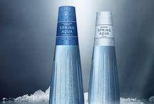 Spring Aqua Premium / Maailman arvokkain asia, on puhdas ja raikas vesi. Sitä tulee kunnioittaa ja käyttää arvostaen. Spring Aqua Premium on vesien shampanjaa, se pulppuaa Multilan luonnonlähteestä, jossa vesi uusiutuu jatkuvasti, luonnollisesti ja ikiaikaisesti.