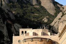 Montserrat / Klasztor w Pirenejach.