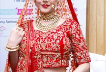 Bridal Makeup / Whether it is a destination wedding or overseas wedding our celebrity and expert makeup artist are ready to beautify you.