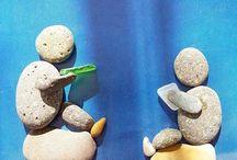 muñecos en piedra