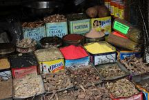 spices / kruiden ....overal in Azië worden ze verkocht. Soms herkenbaar, maar soms ook niet.