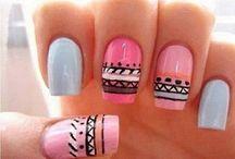 Diseños de uñas :3