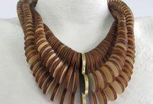 Organics necklaces / Collares en materiales orgánicos