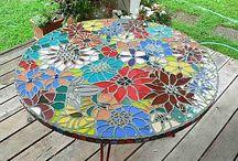 gulatý stôl