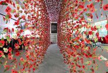 Rebecca Louise Law / Artist floral. Impresionante instalatii cu flori suspendate