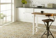 Kitchen Floor Tile / Tiled kitchen floor inspiration for your next home project.