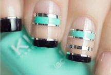 nails με ταινίες