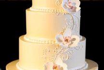 Wedding cakes / by Ayse Huggett