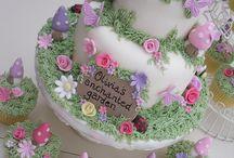 Cakes / by Elaine Olono