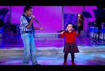Niños con mucho talento para cantar