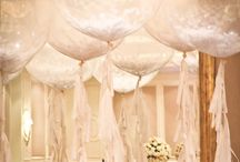 I must have giant balloons at my wedding or I will die!