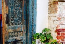 Antique objects... / Old doors...