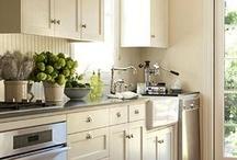 Kitchen / by Liz Casteel