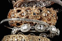 Gold and Silver Expressions / POWER AND SOPHISTICATION