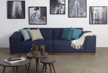 Decoração Sala / Ambiente simples, porém com informações de decor. A idéia é trazer uma paleta de cores neutra com o azul escuro como destaque.  Paleta de cores: cinza branco bege preto marrom escuro azul escuro