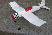 Ucuz Lastik Motorlu Model uçak / Hazır Kit halinde Model uçak. Başlangıç modeli. Türk Malı