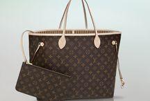 Handbags must haves:)