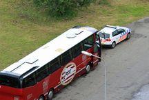 EUROBORG / de spelersbussen van de bezoekende voetbalclubs.  ( foto's genomen vanaf de 13e etage van de Brander-Euroborg )