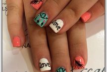 nails / by Lindsey Beall