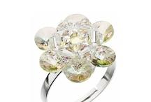 Kristall Boutique / Kristall Boutique è un'azienda leader nella vendita online nel settore Luxury della cristalleria e della porcellana: SWAROVSKI®Elements, BOHEMIA Crystal e Thun 1794.