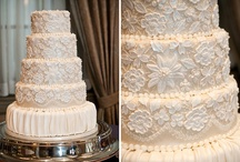 Wedding Cakes 1 / A large collection of wedding cake styles. A wide variety of colors, styles, shapes, and decor. Be sure to also check out the wedding cake photos in our Wedding Cakes 2 and Wedding Cakes 3 boards. #wedding #bridal #shower #anniversary #vow #renewal #party #parties #event #special #events #weddings #cakes #cake