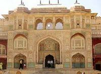 Heritage India Tour / Taj India Expedition offer Heritage India Tour.Experience the glory as the Indian heritage tour to Delhi reveals the historic Indian past along with the rare.