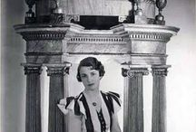 Nancy Lancaster: A Tabulous Tastemaker / A look at the life of Nancy Lancaster, the American designer credited with creating the look of English Country decor.
