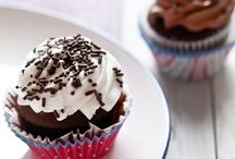 Cupcakes!!! / by Lynnette Syvertsen-Taylor