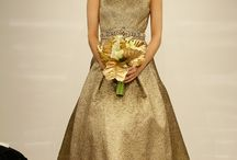 Gorgeous in Gold | weditorial™ / From gold details to full on golden glamour!
