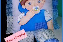 Almofadas para bebê / Almofadas e fraldas para bebê