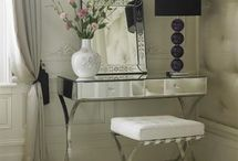 Dressing tables / Dressing tables