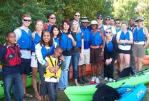 Kayaking the Buffalo Bayou / Enjoy an invigorating - yet highly relaxing - kayak excursion down the sleepy and picturesque Buffalo Bayou.
