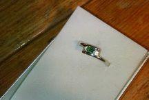 ... právě dokončeno ... jemný prsten s přírodním smaragdem ...