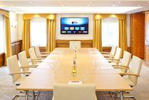 Top 20 Tagungshotels und Konferenzräume München / Tagungshotel & Konferenzraum in München finden - Wer auf der Suche nach einem guten Tagungshotel in München ist, der kommt schnell an seine Grenzen. Darf doch sowohl Lage, Infrastruktur als auch Größe und Technik der Veranstaltung nicht im Wege stehen. Bei der Suche nach den geeigneten Tagungshotels, Konferenzräumen & Seminarräumen in München unterstützt Sie unser Beratungsteam - persönlich, unverbindlich und kostenlos.