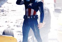 Chris Evans:3 / He's so beautiful, talented and funny actor! He's my next obssesion.