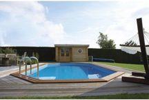 Piscines hors sol / Nos modèles de piscines hors sol sont réalisées avec des parois en Sapin Rouge du Nord ce qui permet une résistance et une durabilité naturelle supérieures aux essences de régions plus tempérées.