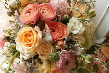 Peaches and Cream Bouquets and Centerpieces
