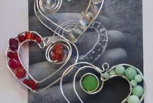Beads and Wire Wrapping / by Marcela Sabina