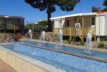 2014: nuevos Mobil-homes Riviera. / Esta temporada hemos instalado estos nuevos bungalows, más amplios y para un máximo de 6 personas.