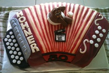bday cakes / by sonia armas
