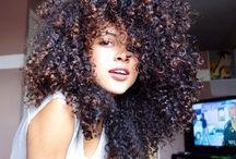 Hair / moda, capelli ricci, naturali, bellezza. hair