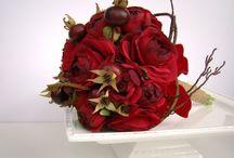 FIORI , FIORI , E ANCORA ....FIORI / IKEBANA-le creazioni dei fiori più spettacolari , più belli -ti viene la voglia di gridare- wow !!!!! Certamente  , non possono mancare  le mie adorate piante.