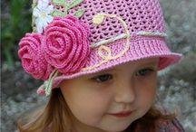 Dziergane kapelusze