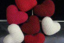 Fylte små strikkehjerter